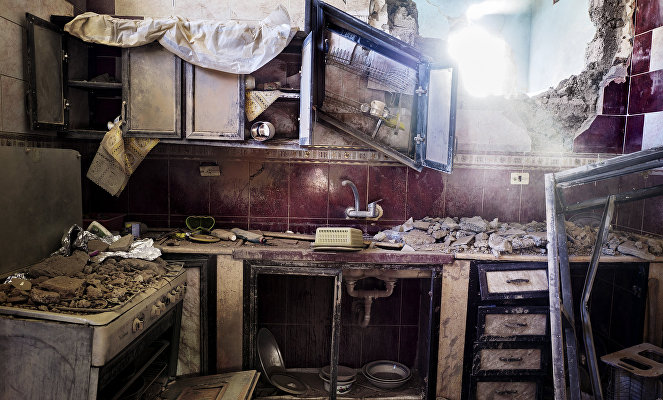 LIBYA, SIRTE, 11/07/2016. The 700 district. A kitchen destroyed by a military tank. irte or death